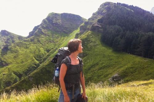 Den frodige åskammen mellom fjellene.