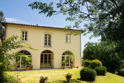 http://sitoscana.no/bolig/villa-la-scala